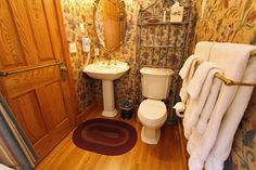 Golden Pond Bedroom, Hurst House Bed & Breakfast, Ephrata, Lancaster County PA