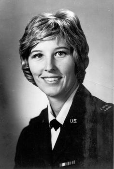 Olympic Gold Medalist Col Micki Hogue US Air Force (Served 1966-1992) Short Bio: She was the dominant figure in women's diving in the United States from 1965 to 1972, winning 10 national championships, including both springboard and platform events. King was a career officer in the United States Air Force from 1966 to 1992, retiring in the rank of Colonel. Famous Veterans, Women's Diving, Navy Uniforms, Springboard, Military Service, Us Air Force, Celebs, Celebrities, Ribbons