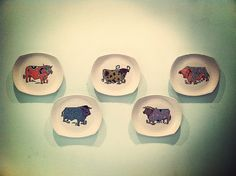The 70' Beefeater plates of cow rise once more