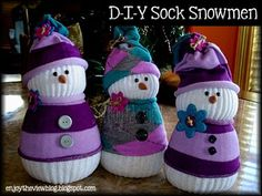 Cute and easy tutorial for DIY sock snowmen! These little guys are the most adorable snowmen you've ever seen! #DIY #gifts #craft #crafts #DIYsnowman #snowman #snowmancraft #socksnowman