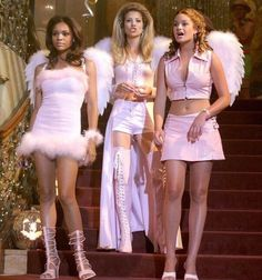 A Cinderella Story was trash but these outfits Snap Angel Halloween Costumes, Halloween Inspo, Halloween Outfits, Halloween Halloween, Sorority Halloween Costumes, Mali Mali, 2000s Fashion, Fashion Outfits, Halloween Kleidung
