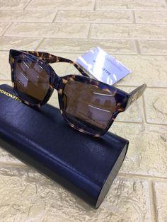 Glasses Frames Trendy, Sunglass Frames, Ray Bans, Sunglasses, Lady, Men, Jewelry, Style, Eye Glasses