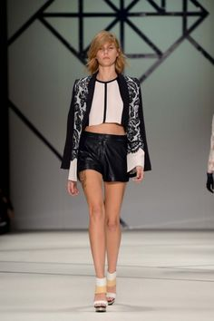 Ginger & Smart Ready-To-Wear S/S 2013/14