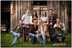 Love this color scheme for family portraits. Great idea with the chairs, too. Love this color scheme for family portraits. Great idea with the chairs, too. Large Family Pictures, Large Family Portraits, Extended Family Photos, Large Family Poses, Family Portrait Poses, Fall Family Photos, Family Posing, Family Pics, Large Families