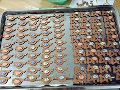 Look! All the wood pendants are finished decorated!