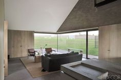 Working within the rural vernacular, architect Vincent Van Duysen brings new life and a rigorous simplicity to a centuries-old farmhouse in the Belgian countryside Interior Architecture, Interior And Exterior, Interior Design, Design Room, Classical Architecture, House Design, Painted Wood Chairs, Vincent Van Duysen, Suite Principal