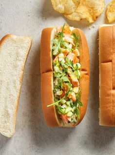 Salmon Roll with recipe . Lobster Roll Recipes, Rolled Sandwiches, Salmon Roll, Ricardo Recipe, Delicious Sandwiches, Cold Meals, Lunch Snacks, Looks Yummy, Sausage Recipes
