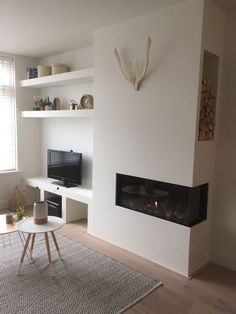 Home Fireplace, Modern Fireplace, Living Room With Fireplace, Fireplace Design, New Living Room, Living Room Interior, Home Interior Design, Home And Living, Built In Wall Units