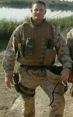 Kevin M. Shea who selflessly sacrificed his life on in Iraq for our great Country. Please help me honor him so that he is not forgotten. Image may contain: 1 person, outdoor Us Marine Corps, Fallen Heroes, Please Help Me, American Soldiers, American Pride, Navy Seals, Usmc, Troops, Military