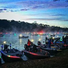 #fishing tournament at #dawn on #laketravis http://ift.tt/1NlLhvg