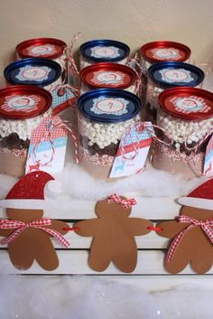 Hot Chocolate Party Favors at a Christmas Party I'd put in a mason jar :) Holiday Party Themes, Christmas Party Favors, Cheap Christmas Gifts, Christmas Treats, Holiday Parties, Holiday Fun, Christmas Holidays, Ideas Party, Gift Ideas