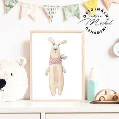 Stylový obrázek do dětského pokoje či spacího koutku v ložnici. Plakátky k sobě vzájemně ladí a lze jakkoli kombinovat a vytvářet si vlastní sety, díky čemuž Vám vzniknou krásné designové doplňky pro Vaše nejmenší. Tisk je zajištěn na profesionální tiskárně na kvalitní papír o vysoké gramáži 260 gms v bílé barvě. #dekorace #detskypokoj #pokojicek #deti #miminko #miminka Stylus, Panda, Place Cards, Place Card Holders, Design, Style, Pandas
