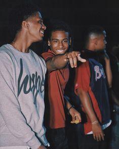 """Whatever bro, you just a hoodrat anyway."" 𝙖 𝙡𝙖𝙢𝙚𝙡𝙤 𝙗𝙖𝙡𝙡 𝙛𝙖𝙣𝙛𝙞𝙘𝙩𝙞𝙤𝙣 Fine Black Men, Gorgeous Black Men, Cute Black Guys, Just Beautiful Men, Handsome Black Men, Fine Men, Cute Lightskinned Boys, Cute Guys, Pretty Boys"
