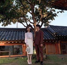 Hotel Del Luna, IU as Jang ManWol, Yeo JinGoo as Gun ChanSeong. Beutiful outfits both of them. Korean Drama Best, Korean Drama Movies, Korean Dramas, Korean Celebrities, Korean Actors, Luna Fashion, Jin Goo, Kdrama Actors, Pretty Men