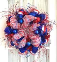 July 4th wreath with sparkles by Southern Charm Wreaths #decomesh #wreaths #July4th