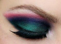Tri-colored #smokeyeyes. Super gorgeous! #beauty #eyes #makeup