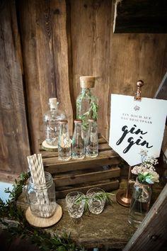 Eine Gin Bar zur Hochzeit Foto: Doris Himmelbauer, Oh. What a Day – Wedding Photography