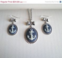 This necklace and earring set is adorable!