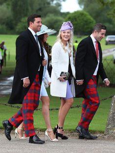 現地時間2017年5月20日(土)に行われたキャサリン妃の妹、ピッパ・ミドルトンとジェームズ・マシューズの結婚式。フラワーガールのシャーロット王女、ページボーイを務めたジョージ王子、そしてキャサリン妃やウィリアム王子も出席した豪華な挙式には、華やかなドレスアップに身を包んだVIPゲストが続々来場! ロイヤルファミリーから、テニスプレイヤーのロジャー・フェデラー夫妻まで、見逃せない顔ぶれを一気にチェック。