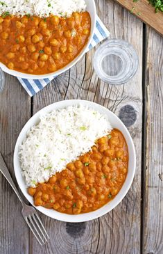 Indian Recipes The Iron You: Easy Indian Butter Chickpeas Chickpea Recipes, Vegetarian Recipes Dinner, Veggie Recipes, Dinner Recipes, Cooking Recipes, Healthy Recipes, Indian Vegetable Recipes, Bean Recipes, Curry Recipes