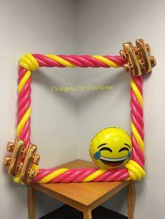 Emoji and hashtag balloon picture frame Balloon Frame, Balloon Wall, Emoji Christmas, Summer Camp Themes, Foto Frame, Balloon Pictures, Photo Balloons, Balloon Decorations, Balloon Ideas