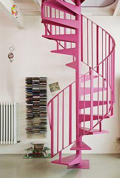 Escada pink! <3 #decor #inspiração #inspiration #inspiración #ideas #ideias #joiasdolar