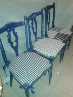 Shabby schic tre sedie blu con cuscini sfoderabili con tessuti di riciclo.res iNSolite
