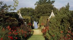 Hidcote Garden, an Arts & Crafts masterpiece created by the horticulturalist Major Lawrence Johnston, Hidcote Bartrim, near Chipping Campden, UK http://www.nationaltrust.org.uk/hidcote/#
