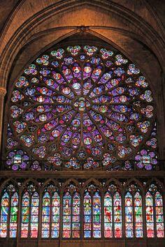 South Rose Window and stained glass windows, Notre Dame de Paris 13th century French Gothic cathedral ... 43 ft diameter, 84 panes divided in four circles, gift from King Louis IX, designed by Jean de Chelles and Pierre de Montreuil, Île de la Cité, Paris, France
