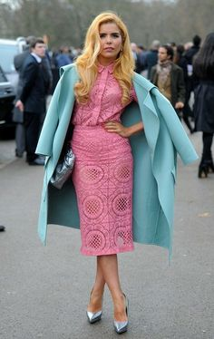 Paloma Faith Arrivals at the Burberry Prorsum Menswear Autumn/Winter 2014 runway show at Kensington Gardens in London on January Paloma Faith, Ice Dresses, Lace Midi Dress, Winter Fashion Outfits, Dress To Impress, Vintage Fashion, Street Style, Style Inspiration, My Style