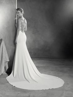 Emmett - Mermaid style wedding dress in crepe fabric