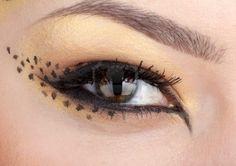 gros plan sur les yeux avec maquillage dans le style de leopard Banque d'images