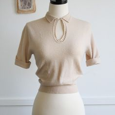 cream keyhole sweater blouse by TamidP Vestidos Vintage, Vintage Dresses, Vintage Outfits, Vintage Blouse, 1940s Dresses, Retro Mode, Mode Vintage, 1940s Fashion, Vintage Fashion