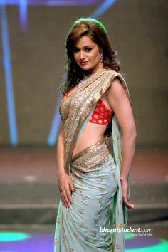 Bollywood hot actress yuvika chaudhary in saree full hd images Wallpapers Beautiful Girl Indian, Beautiful Girl Image, Beautiful Saree, Beautiful Indian Actress, Beautiful Places, Indian Dresses, Indian Outfits, Yuvika Chaudhary, Saree Dress