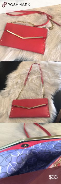 ✨Gianni Bini bags! 2️⃣ included in set! These 2 bags come in a set. Coral color, and gold. The gold has been used, coral has never been used. Gianni Bini Bags Mini Bags