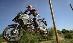 Casey Stoner se divierte con la nueva Ducati Multistrada 1200 Enduro.  #CaseyStoner #Ducati #Mulstistrada1200Enduro
