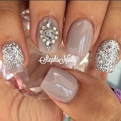#ShareIG #taupenails #glitternails