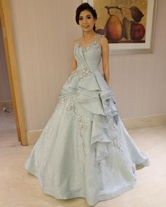 Indian Wedding Gowns, Indian Gowns Dresses, Ball Gowns Evening, Ball Gowns Prom, Indian Designer Outfits, Designer Gowns, Wedding Dresses For Girls, Bridal Dresses, Gown Party Wear