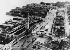 Aerial view of Embarcadero, Ferry Building and Port of San Francisco (ca. 1932) A large pedestrian bridge spanned the Embarcadero in front of the Ferry Building until the late 1940s, after which pedestrians were not well treated for decades.