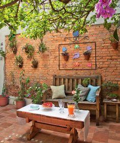9 quintais charmosos repletos de plantas | Minha Casa