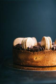 #macaron #cake #chocolate Macaron Cake, Macarons, Cake Chocolate, Sweets, Photo And Video, Desserts, Instagram, Food, Chocolate Chip Pound Cake