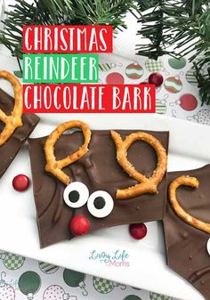If you love reindeer, you won't want to miss out on this Christmas Chocolate Reindeer Bark! With only 4 ingredients, holiday baking can't get more simple! The perfect treat for the whole family. Easy Holiday Desserts, Holiday Cookie Recipes, Holiday Cakes, Holiday Baking, Holiday Treats, Cute Christmas Tree, All Things Christmas, Christmas Cookies, Christmas Foods