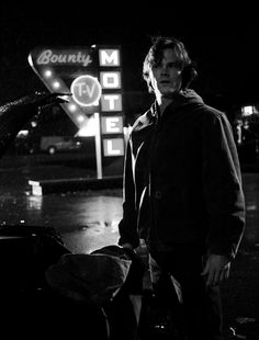 《Open w/ Sam》Dean and I were staying at a motel room in a small town outside of Kansas City. While Dean was inside I went out to get my bag out of the impala. As I walked out I heard a noise, but shrugged it off and got my bag, then I heard it again as you walked out.