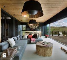 Mountain Cottage - Duży salon z kuchnią z jadalnią z tarasem / balkonem, styl nowoczesny - zdjęcie od HOLA DESIGN