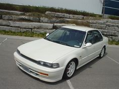 93 Honda Accord (CB7) dig the color blended door guards