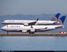 UNITED Boeing 757-324 N75851 32810 San Francisco Int'l Airport - KSFO 5Mar 2015 Michael Sender