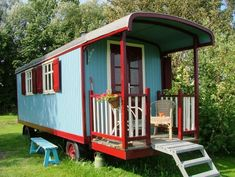 I'd love this for a garden shed or studio Gypsy Caravan, Gypsy Wagon, Tiny House Plans, Tiny House On Wheels, Garden Huts, Shepherds Hut, Tiny Apartments, Vintage Caravans, She Sheds
