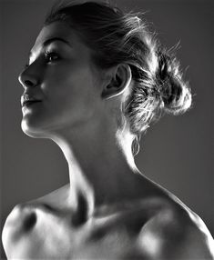 """hollywood-portraits: """"Rosamund Pike photographed by Lorenzo Agius, """" Face Drawing Reference, Art Reference Poses, Photo Reference, Body Photography, Photography Women, Portrait Photography, Beauty Portrait, Female Portrait, Black And White Portraits"""