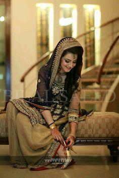 Outfit for wedding Ceremony Pakistani Wedding Outfits, Pakistani Dresses Casual, Pakistani Wedding Dresses, Pakistani Dress Design, Bridal Outfits, Pakistan Bride, Pakistan Wedding, Lahore Pakistan, Bridal Mehndi Dresses