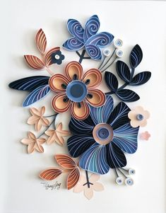 Flower Bouquet Quilled Home Décor - Quilling Paper Crafts Paper Quilling Flowers, Paper Quilling Cards, Neli Quilling, Quilling Work, Paper Quilling Patterns, Origami And Quilling, Quilled Paper Art, Quilling Flowers Tutorial, Quilled Roses